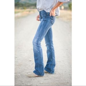 Diesel Cherock boot cut Italian denim jeans! 💙